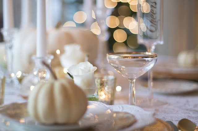 Gift Ideas for Thanksgiving Hostess Holiday Table Setting