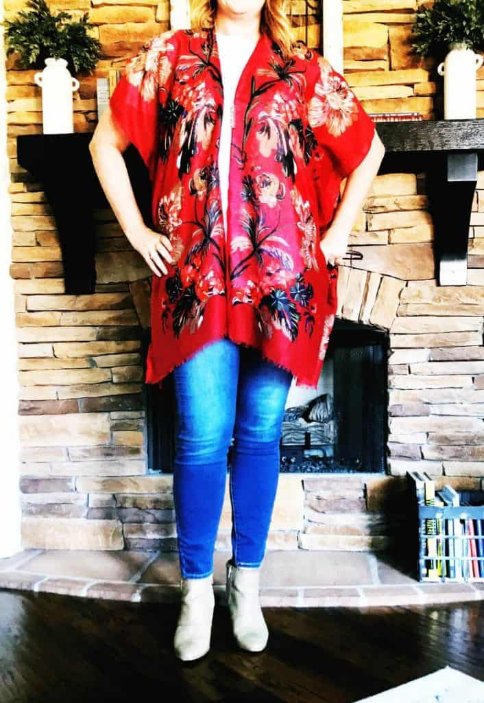 Red floral kimono and skinny jeans in long length from Amazon Prime.
